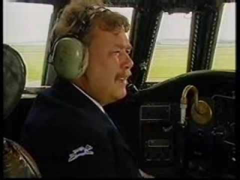 ▶ Leeds Bradford Airport (Yeadon) Hale & Pace Yorkshire Airlines classic comedy sketch - YouTube