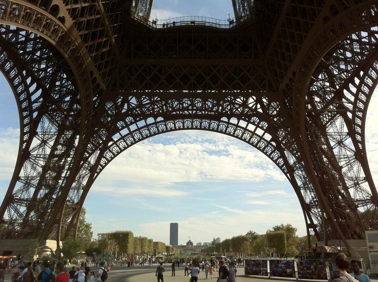 Eiffel tower, by Pom Kimber....nice patterns