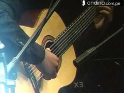 "Juan Diego Flórez interpretó ""Cuando llora mi guitarra"""