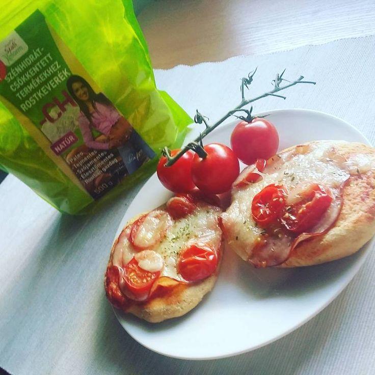 Ti Küldtétek Recept (A recept beküldője: Varga Nagy Imola)    Paleopizza szénhidrát csökkentő lisztkeverékből       Csökkentett szénhidráttartalmú, Szafi Fitt pizza (gluténmentes, tejmentes, élesztőmentes)       ✔1 nagy (36 cm-es pizza) csak: 600 Ft. + ízlés szerint feltét
