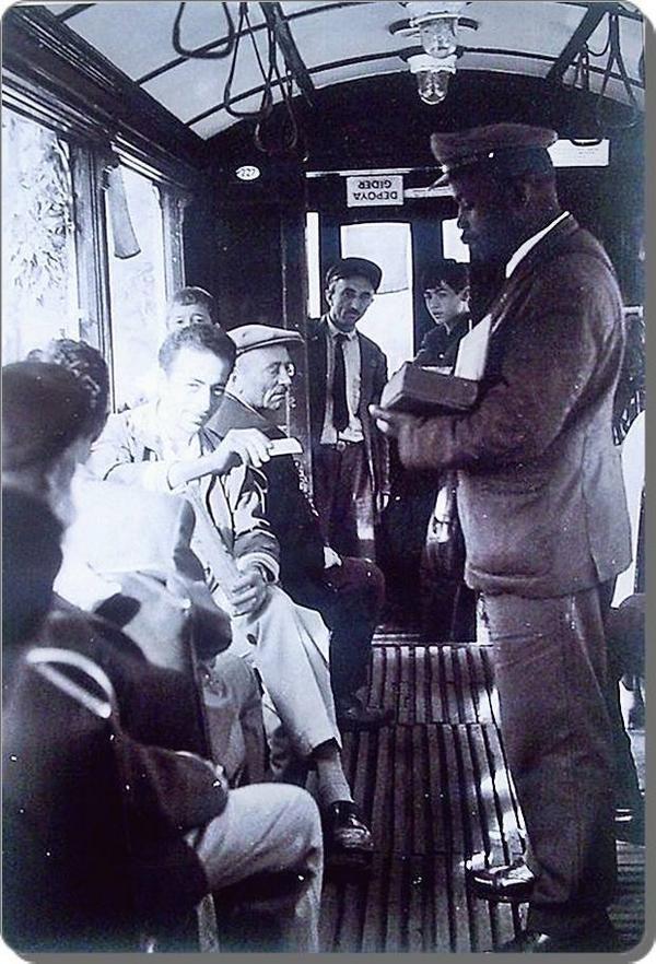 bir bilet lütfen! F: Ara Güler, 1950ler #istanbul #istanlook