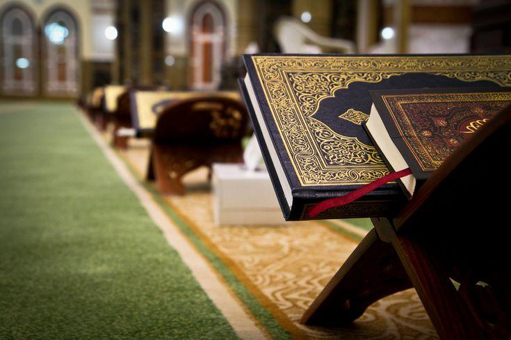 Bulan Ramadhan adalah bulan yang didalamnya diturunkan (permulaan) Al-Qur'an sebagai petunjuk bagi manusia. Dan diantara keutamaan membaca Al-Qur'an ialah...