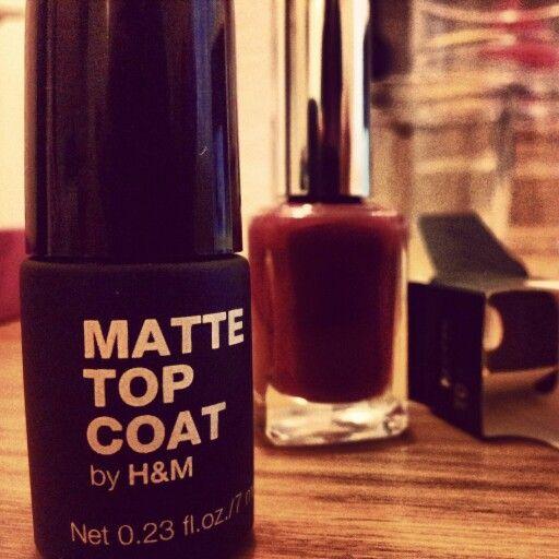Matte nail by H&M