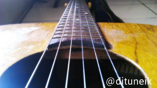 Gitarku siang ini