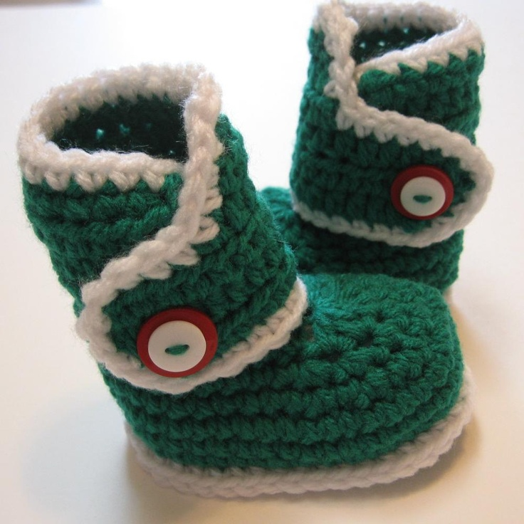 Crochet baby booties for Christmas.  0 to 3 months.  Ready to ship.  Babys first christmas photo prop.. $19.00, via Etsy.