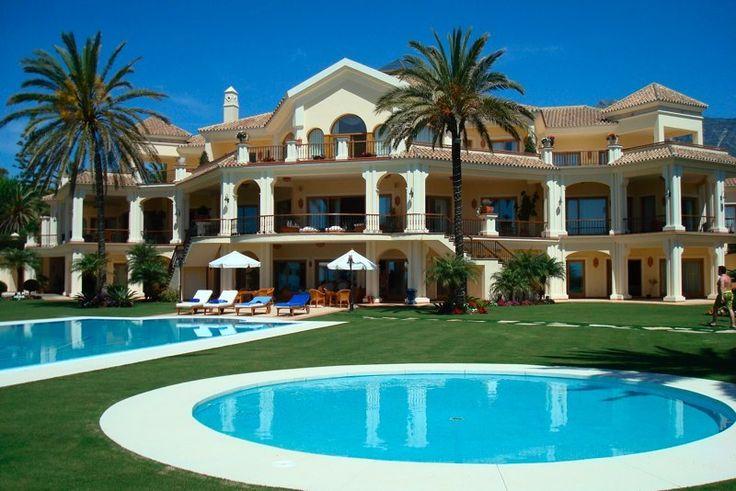 1000 images about exterior design on pinterest chalets for Decoration villa de luxe