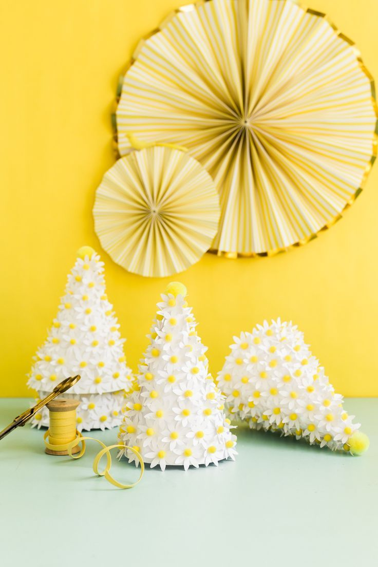 DIY Daisy Party Hat (+Printable Template!)