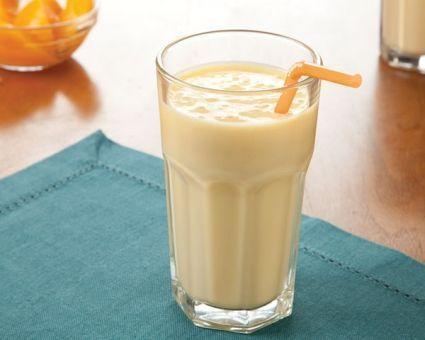 Smoothie cu iaurt grecesc, piersici si vanilie - Foodstory.stirileprotv.ro