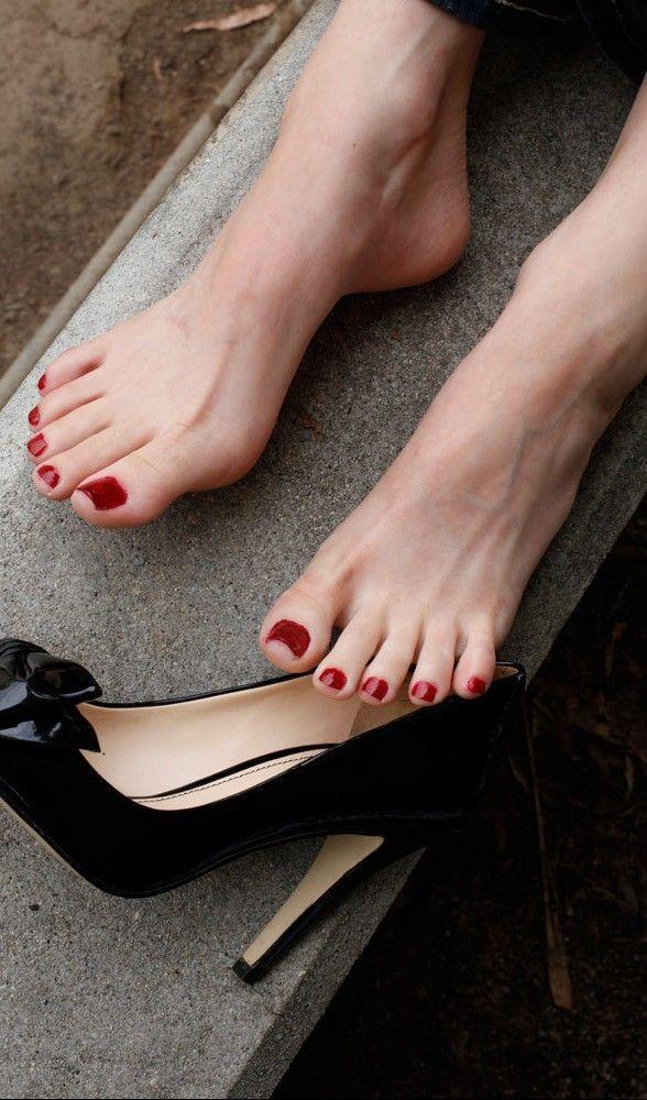 Red high heels video