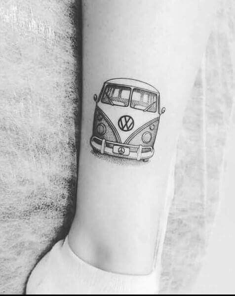 #tattoo #tatuagem #ink #inked #bodymodification #alineymarques #blackandwhite #hippie #Volkswagen #kombi