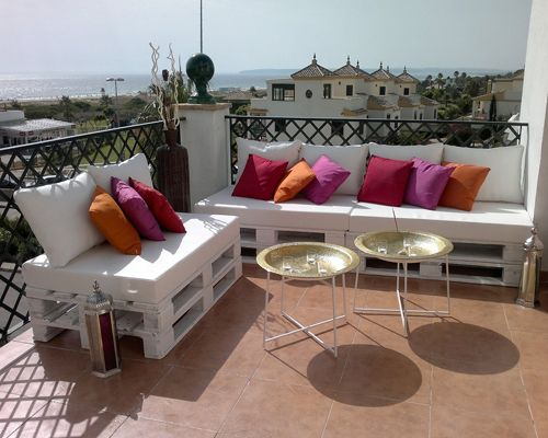 Terraza Chill out con sofás de pallets • Chill out terrace