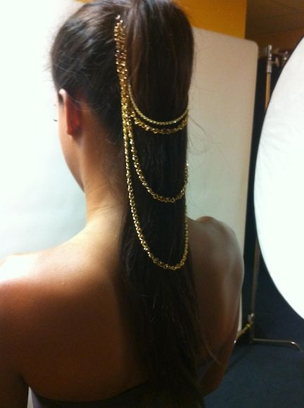 hair CHAIN .. wish I had long hair to wear this .. very very pretty
