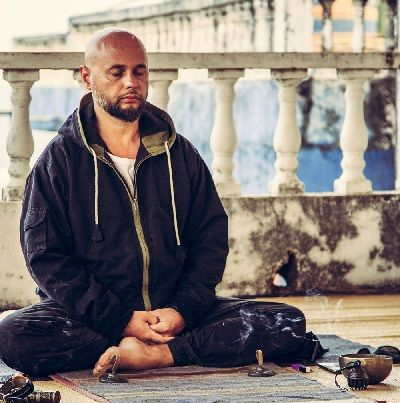 Anatolii Pakhomov Vajra Yoga instructor Kiev. Interview with a founder of Vajra yoga styles and yoga reviews on https://topyogis.com