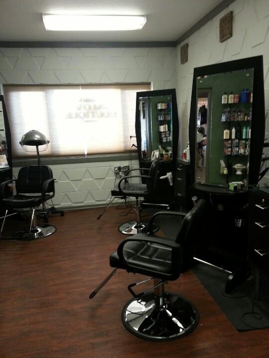 25 best barber shop ideas images on pinterest barber salon barbershop and barber shop. Black Bedroom Furniture Sets. Home Design Ideas