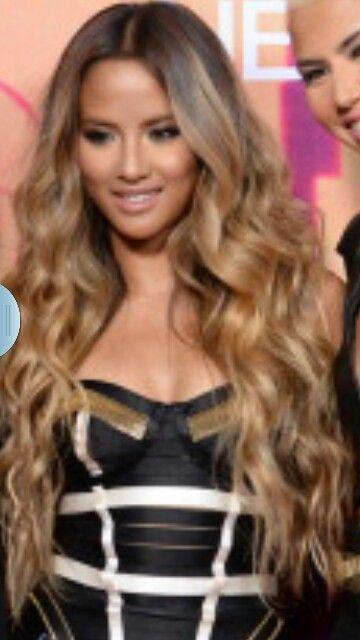 Emmalyn Estrada from g.r.l. Honey blonde wavy hair
