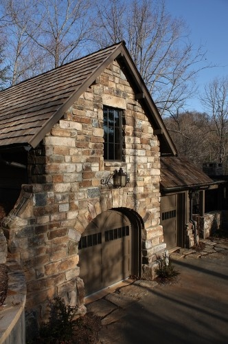 18 best images about garage guest house on pinterest for Stone garage designs