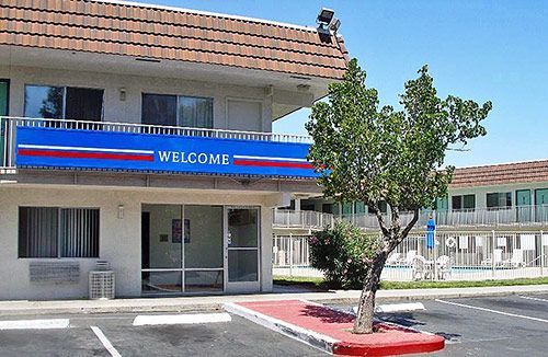 Motel  Pittsburg Ca