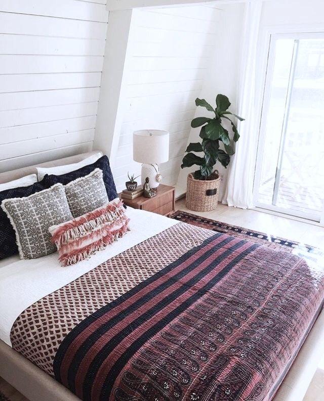 25+ Best Upstairs Bedroom Ideas On Pinterest
