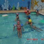 Bahçemizde açık havuzumuz var yaz gelse de yüzsek