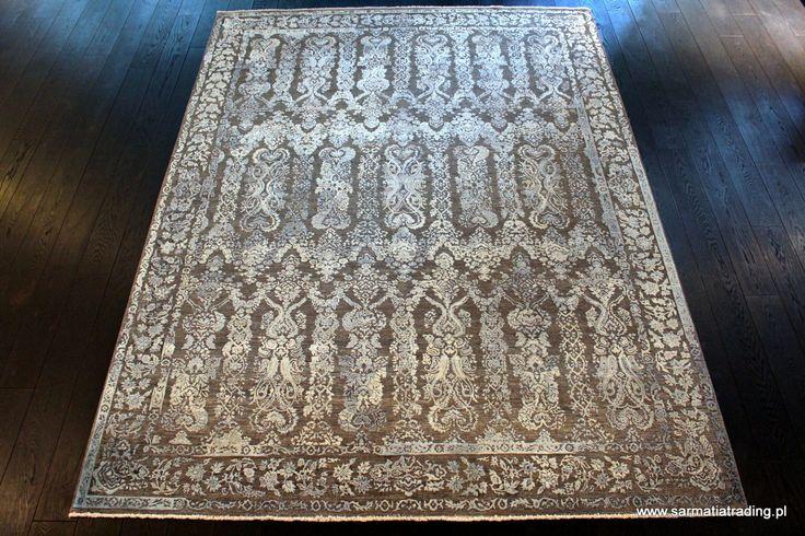 Ekskluzywny dywan designerski.  Ręcznie utkany z wełny i jedwabiu. http://www.sarmatiatrading.pl/sklep/dywany-nowoczesne/lidia-artisan-frozen-garden/