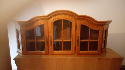 Výsledek obrázku pro rustikálna závesná vitrína