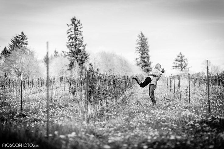 hugs <3Warm Sun, Sauvie Islands, Kruger Farms, Engagement Session, Gorgeous Sunny, Dreary Winter