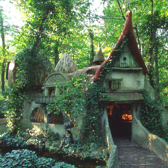 Here Are The 17 Most Magical Houses In The Entire World. I Would Live In #6…