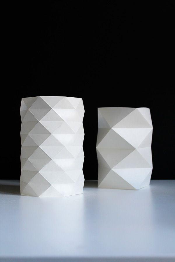 DIY: Teelichter im Origami-Stil / DIY origami paper lanterns