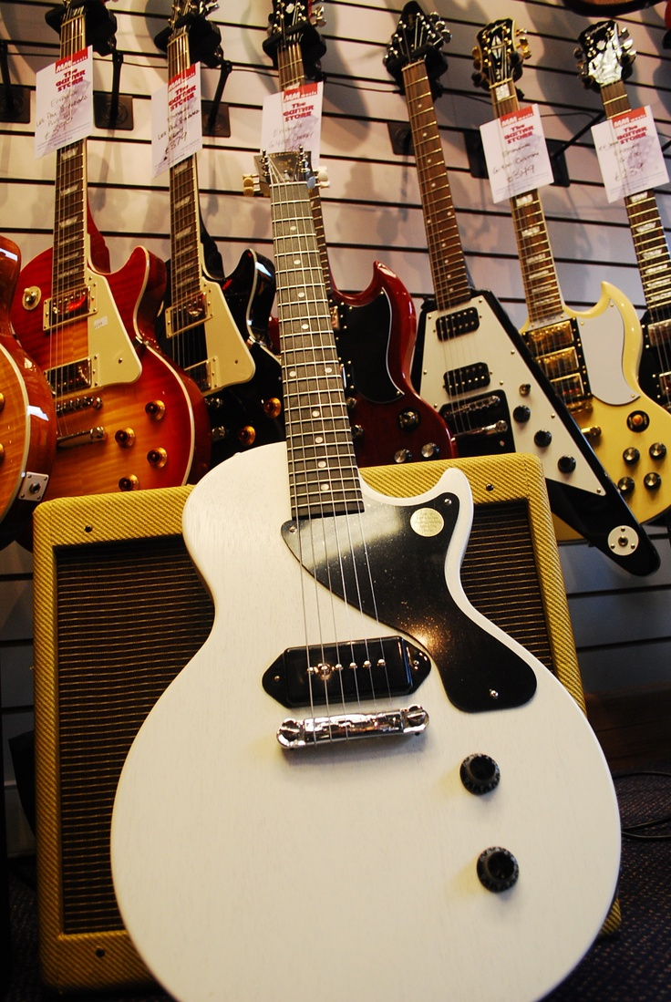 Gibson Les Paul Junior - White with one P90 pickup - My favourite guitar!