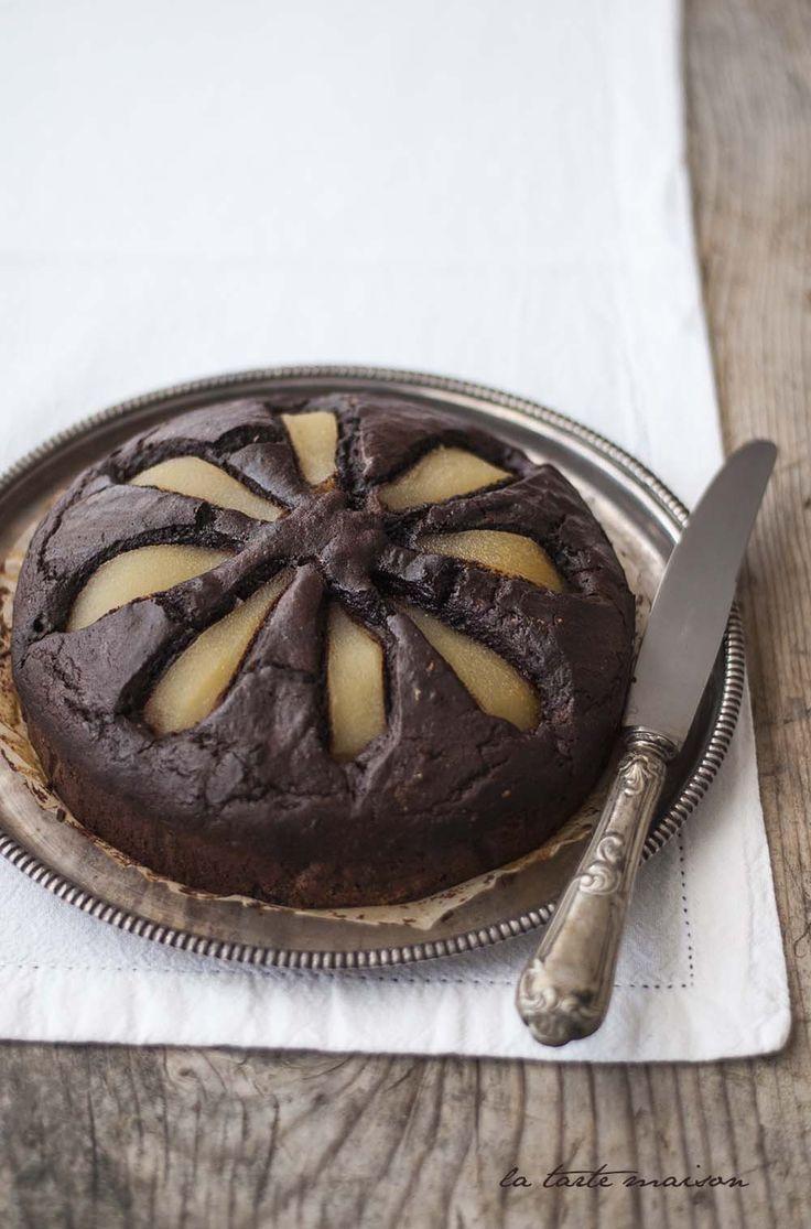Torta cacao e pere sciroppate