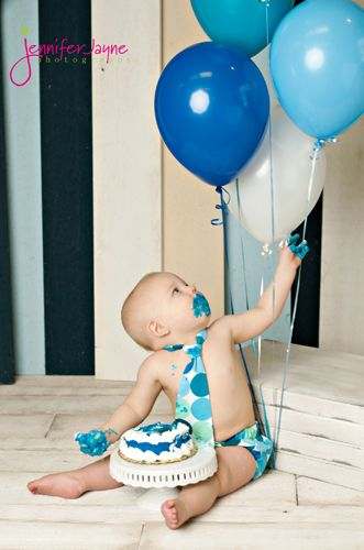 First Birthday; baby photography; balloons; blue; cake smash; props