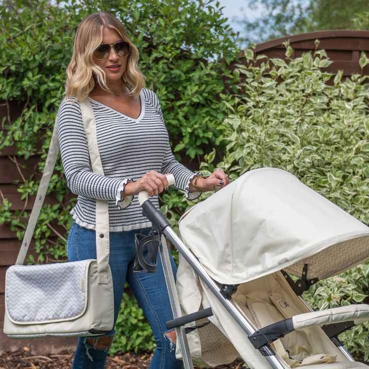 Cream chevron baby changing bag to match the Billie Faiers pushchair, strollers and travel system