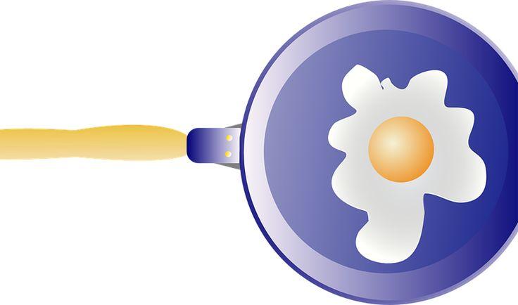 El uso de estropajos y el paso del tiempo provocan que las sartenes se peguen y que cocinar cualquier alimento se convierta en una odisea.