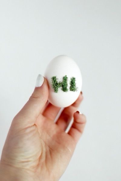Moss Designs - The Chicest Ways To Decorate Easter Eggs - Photos