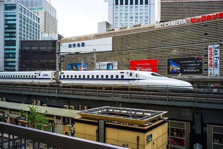 Shinkansen(SuperExpress/Bullet train) by KazuhiroTerasawa on 500 px