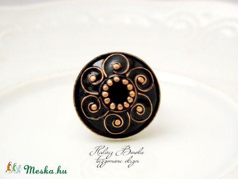 Meska - Klimt csigái - tűzzománc-réz gyűrű OPAK iparművésztől