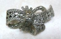 Vintage Marcasite Studded Elaborate Gathered Bow Brooch.