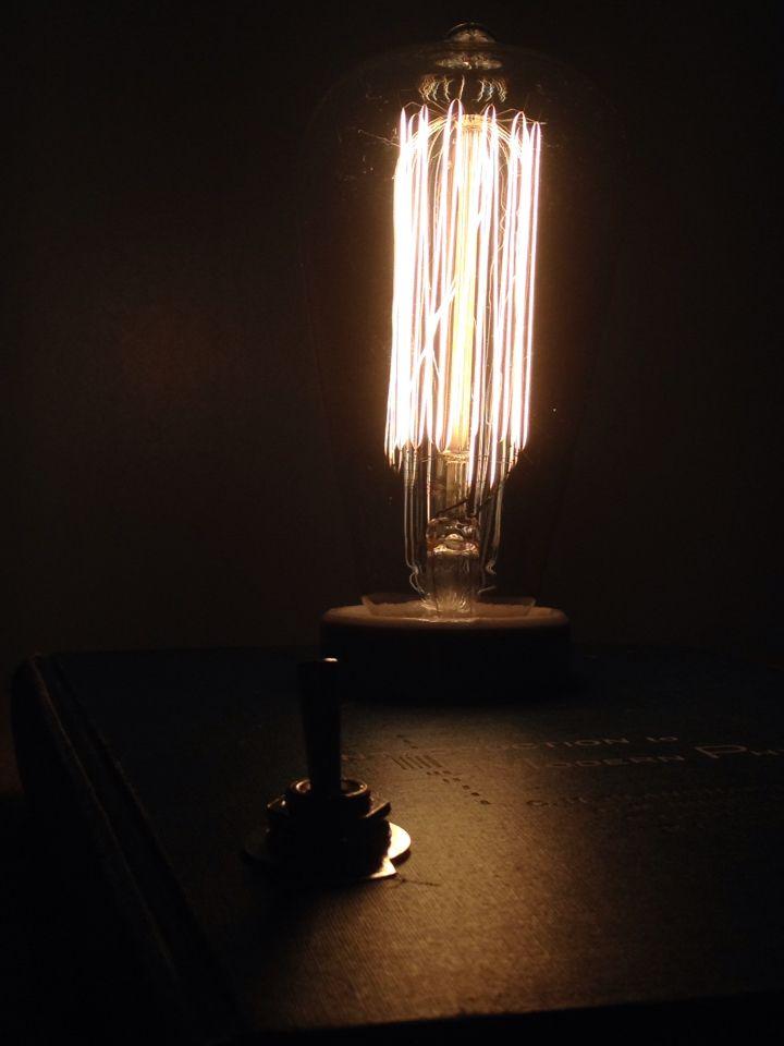HARDCOVER BOOK DESK LAMP DESIGN - KITAP MASA LAMBASI - FIYATI ICIN MESAJ ATABILIRSINIZ #dizayn #satilik #design #dekor #booklamp #kitaplamba #lamp #lamba #light  #filament #cafe #edison #harika #mukemmel #nice #night #alisveris #tasarım #tarz #retro #rustic #retrica #vintage #love #aydınlatma