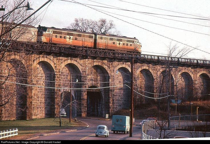 RailPictures.Net Photo: New York, New Haven & Hartford Railroad EMD FL9 at Canton, Massachusetts by Donald Haskel