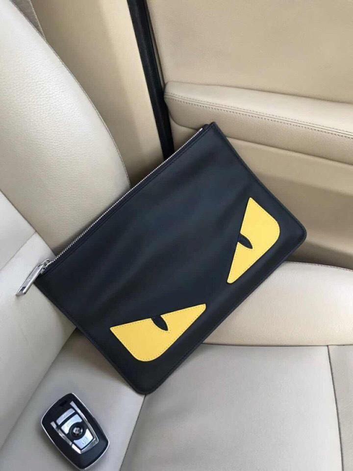 フェンディ モンスター クラッチバッグ メンズ 偽物 黒 Fendi 柔らかいレザーカバン ブランド 販売スーパーコピー Louis Vuitton Twist Bag Shoulder Bag Louis Vuitton Twist