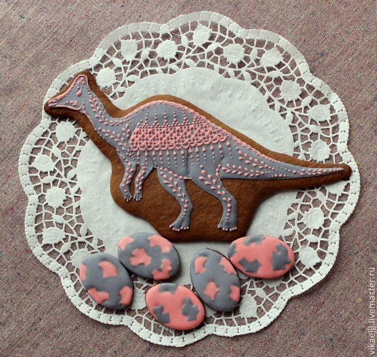 Кулинарные сувениры ручной работы. Ярмарка Мастеров - ручная работа Пряничный динозавр в розовом кружеве. Яйца динозавра. Пряник.. Handmade.