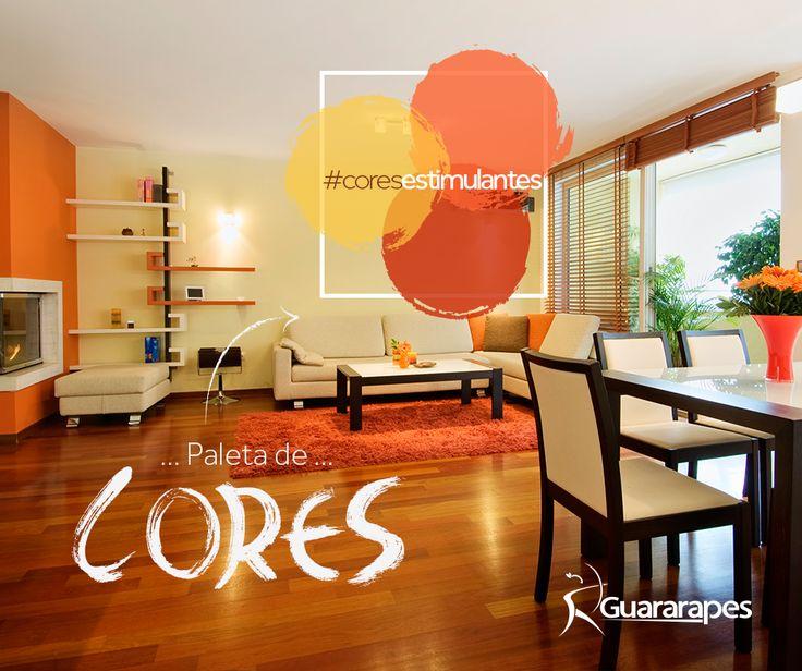 A mistura do amarelo, laranja e tons avermelhados resultam em uma bela combinação e estimulam a mente, fazendo espaços grandes tornarem-se convidativos e modernos.   #cores #decoraçãoMDF #decoração #livingroom #salas #DesignInteriores #padrõesMDF #homedecor #peçasMDF #moveisMDF #paineisMDF