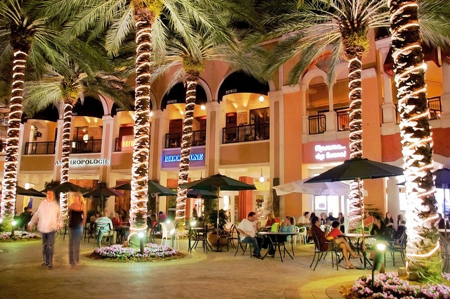 CityPlace (West Palm Beach, Florida) - A great place to shop, dine and stroll around