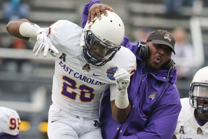 The big 2015 ECU football guide: Expect the Pirates to pass this test