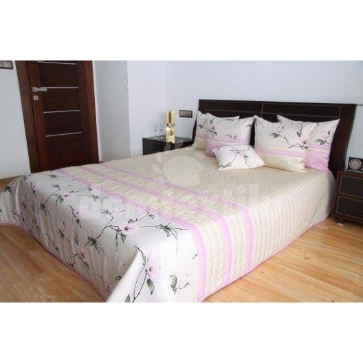 Prehoz na manželskú posteľ béžovej farby s motívom kvetov
