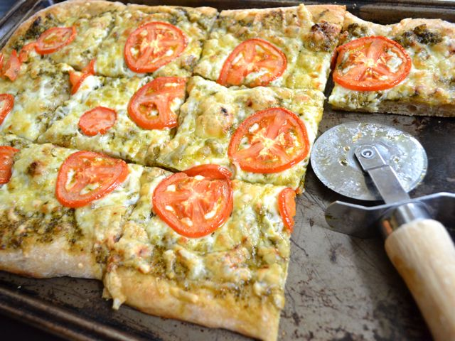 budget bytes- eating healthy on a budget: Budget Byte, Budget Recipes, Pesto Focaccia, Pizza Recipes, Focaccia Pizza, Eating Healthy, Healthy Recipes, Healthy Food, Cheap Recipes