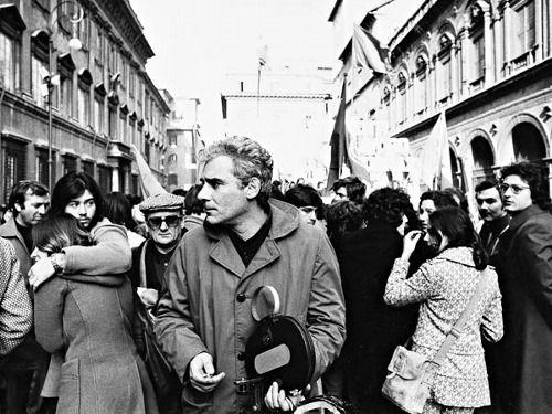 Roma, 1968 - Gian Maria Volontè durante una manifestazione