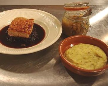 ... -cooked pork with sticky red cabbage, apple jam and mash with a kick
