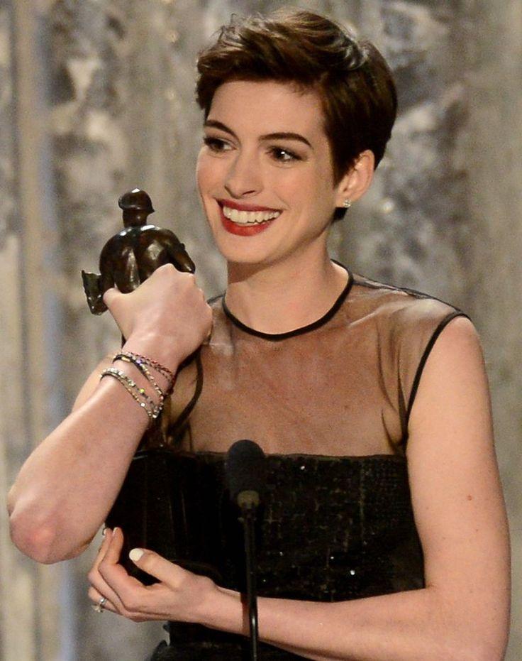 Anne Hathaway short do