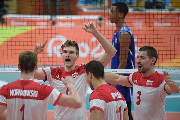 Pewne zwycięstwo na zakończenie fazy grupowej! Polska – Kuba 3:0 (25:18, 25:15, 25:17) Biało-Czerwoni awansują do ćwierćfinału z 2. miejsca!  #TeamSkra #TeamPoland #goPoland #Rio2016 #olympic #Rio #volleyball  FIVB